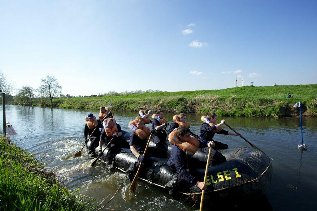 Schlauchbootwettbewerb 2013